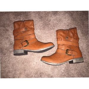 brown short boots